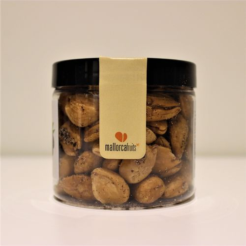 Fried almonds with black olive. 125g PET