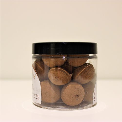 """Jimmy Brown"" Almendras recubiertas de chocolate sabor Marc de cava. PET 125g"