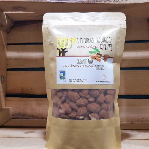 Organic unblanched almonds. 500g kraft bag