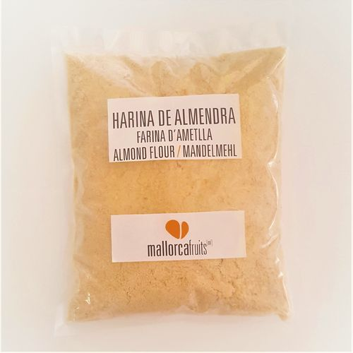 Raw and blanched organic almond flour. 1kg bag